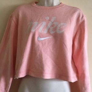 Nike's cropped crew neck sweater - size S